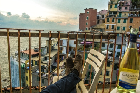 Cinque terre wunderscapes travel for Another word for balcony